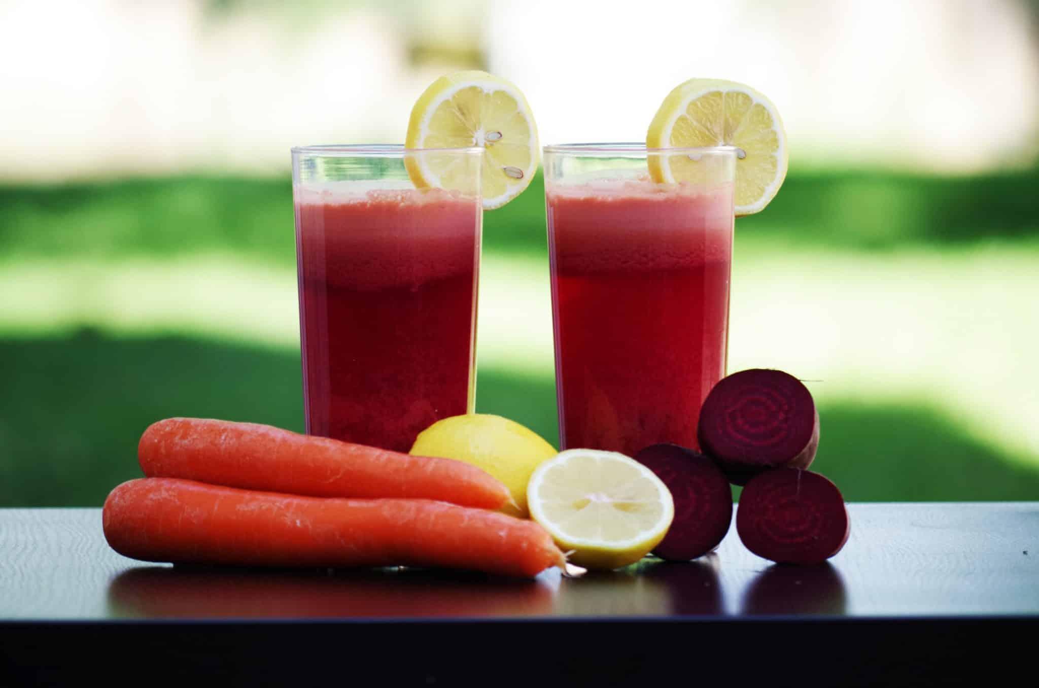 jus de légumes, carottes, citrons, bettraves
