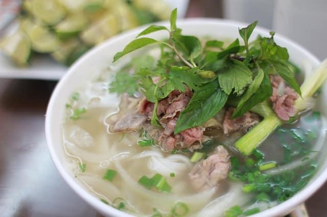 soupe asiatique, nouilles